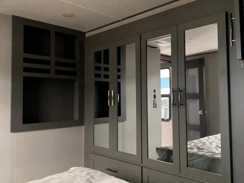 2021 Grand Design RV MOMENTUM M-CLASS 381M