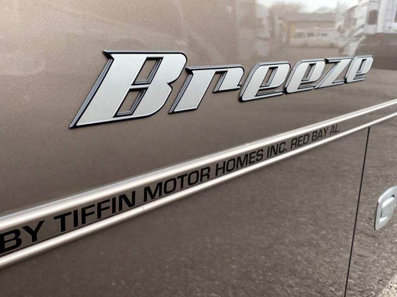 2017 Tiffin Motorhomes ALLEGRO BREEZE 32 BR