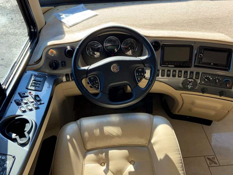 2013 Tiffin Motorhomes ALLEGRO BUS 40 QBP