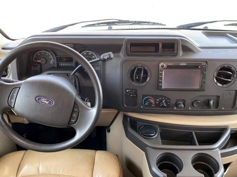 2012 Thor Motor Coach CHATEAU 31K