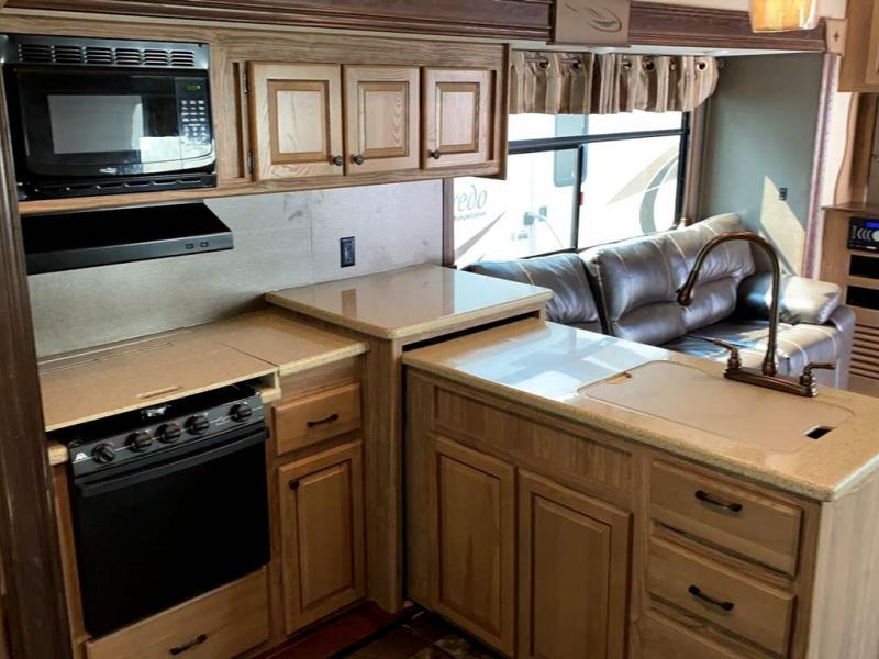 2017 Shasta RV Phoenix 34RD