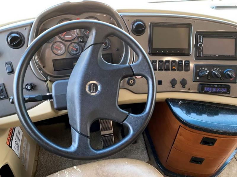 2013 Tiffin Motorhomes ALLEGRO RED 38 QBA