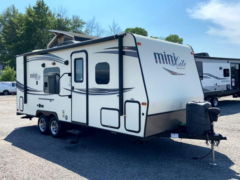 2016 Forest River, Inc. ROCKWOOD MINI LITE 2304KS