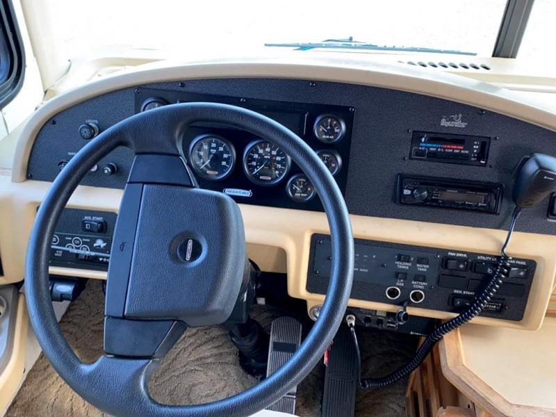 2002 Fleetwood RV BOUNDER 39R