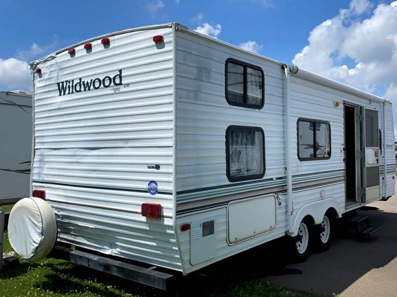 2001 Forest River, Inc. WILDWOOD 27BH