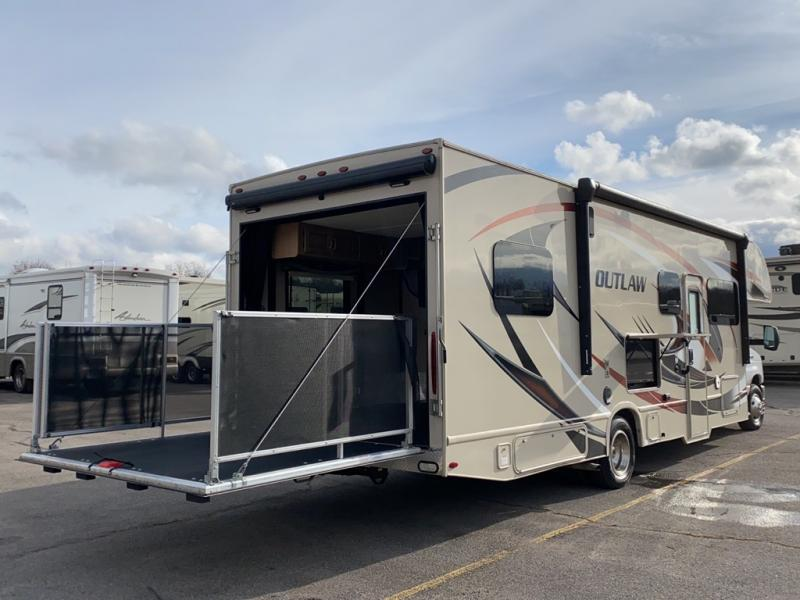 2018 Thor Motor Coach OUTLAW 29J