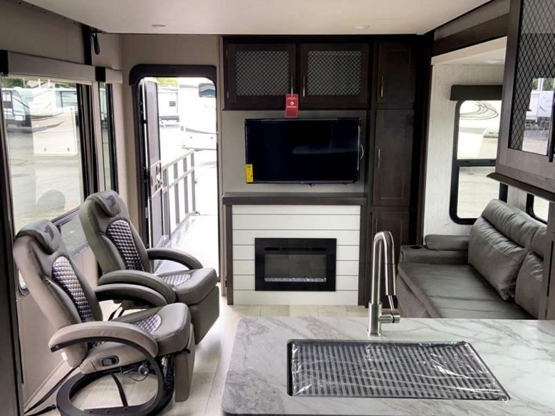 2021 Grand Design RV MOMENTUM G-CLASS 29GO