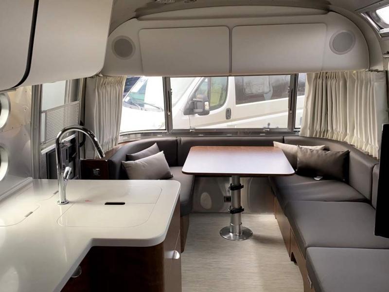 2020 Airstream GLOBETROTTER 27FB