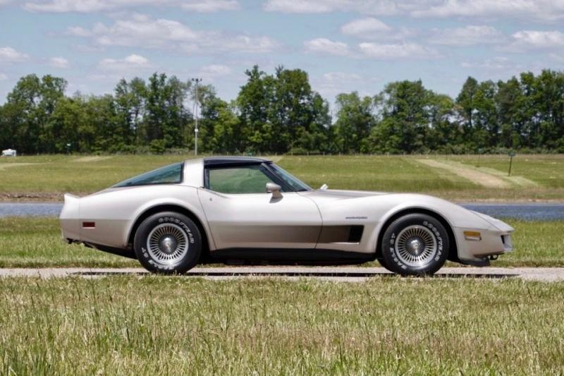 1982 Chevrolet Corvette CORVETTE