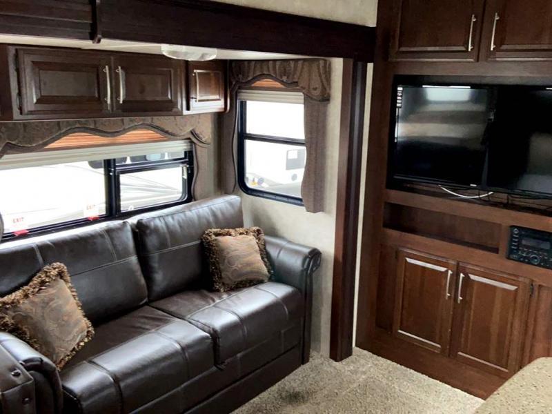 2014 Keystone RV COUGAR 330RBK