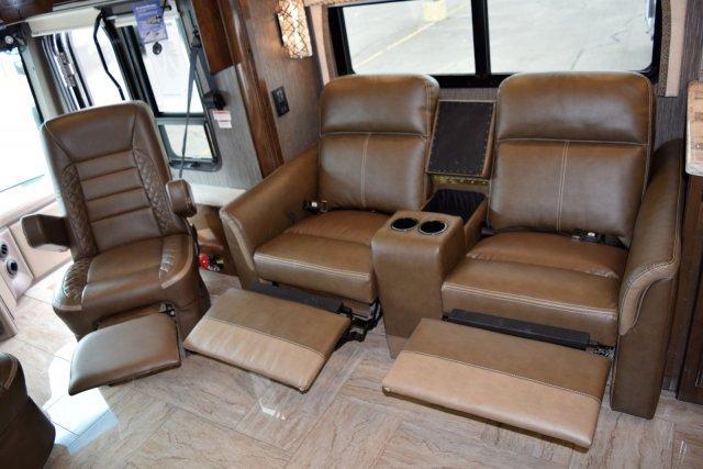2019 Thor Motor Coach  3901