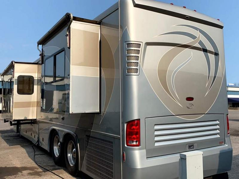 2005 COUNTRY COACH ALLURE 430
