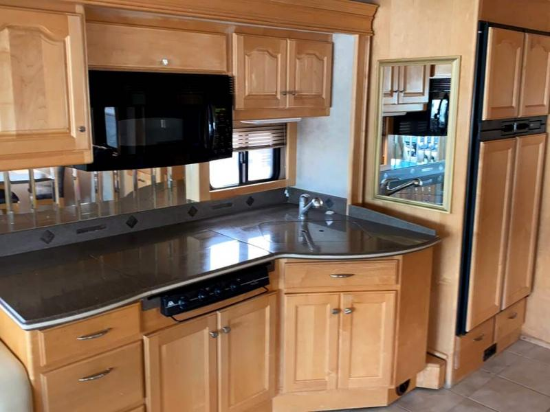 2005 COUNTRY COACH ALLURE 430 Hood River