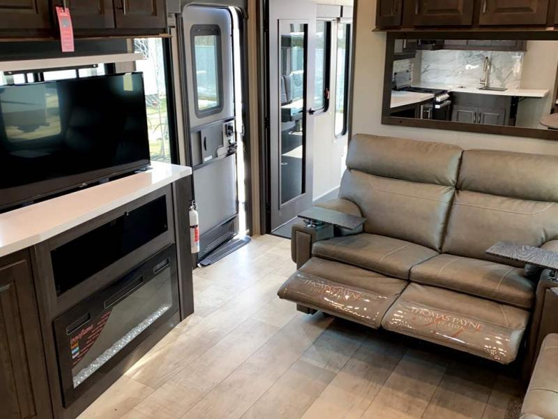 2021 Grand Design RV MOMENTUM G-CLASS 393G