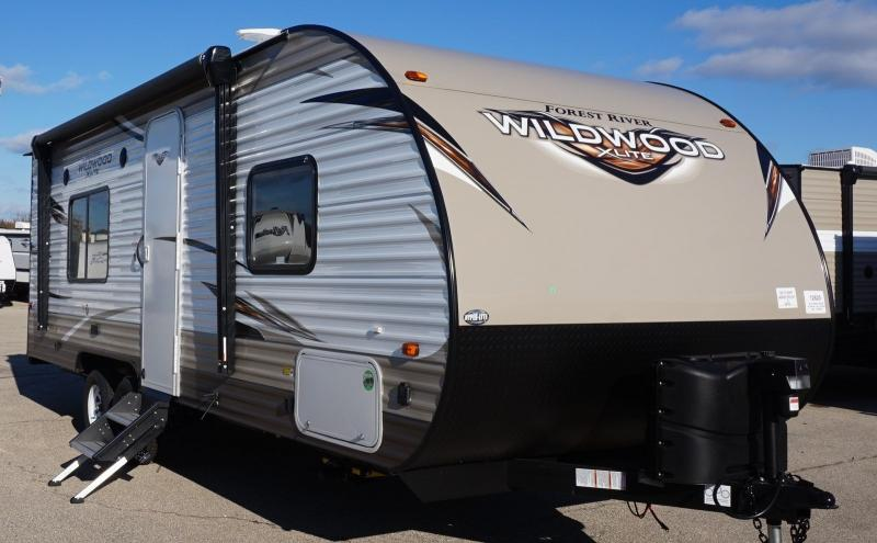 2018 Forest River Wildwood X-lite 241QBXL - 12620  - Burlington RV Superstore