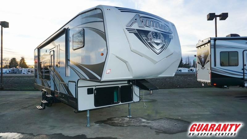 2020 Eclipse Attitude Wide Lite 5th Wheel 3016SS - Guaranty RV Fifth Wheels - T38522