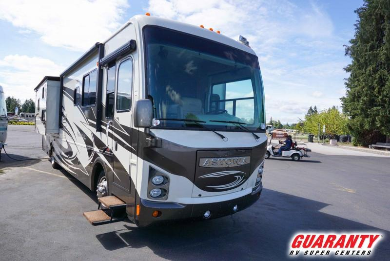 2009 Damon Motor Coach Astoria 3776 - Guaranty RV Motorized - M38231B