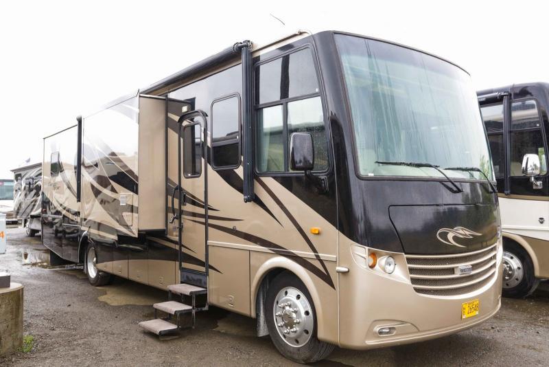 2011 Newmar Canyon Star 3642 - Guaranty RV Motorized - SM40731