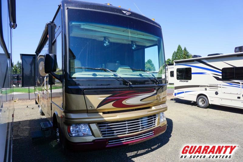 2013 Fleetwood Bounder 33C - Guaranty RV Motorized - T40019A