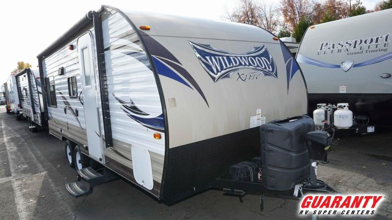 2016 Forest River Wildwood 191RDXL - Guaranty RV Trailer and Van Center - T38803A