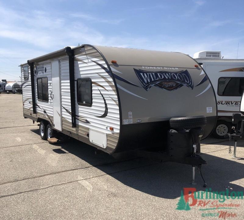 2016 Forest River Wildwood X-lite 261BHXL - BRV - 13342A  - Burlington RV Superstore
