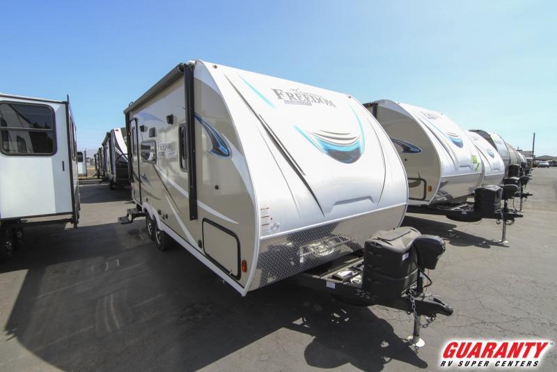2019 Coachmen Freedom Express Ultra-lite 192RBS - Guaranty RV Trailer and Van Center - T39267