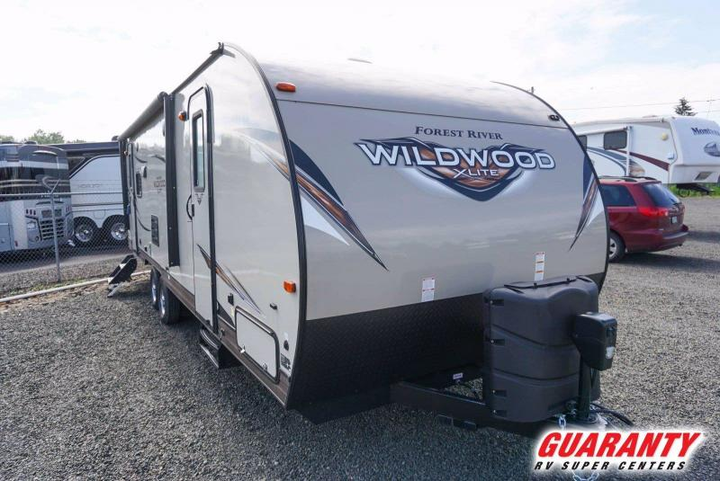 2018 Forest River Wildwood X-Lite West 254RLXL - Guaranty RV Trailer and Van Center - T41171A