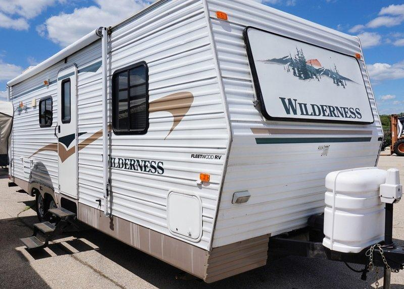 2004 Fleetwood Wilderness 260BH - 12352A  - Burlington RV Superstore