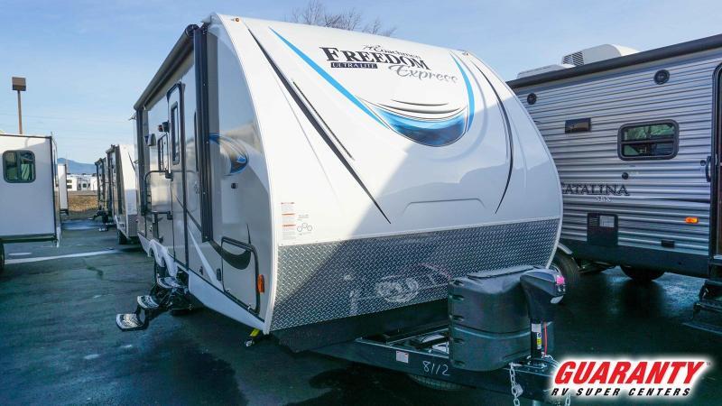 2019 Coachmen Freedom Express Liberty Edition 231RBDS - RV Show - T40062