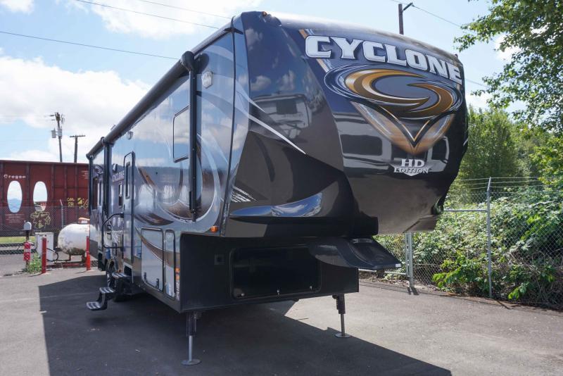 2014 Heartland Cyclone 3100 - Guaranty RV Fifth Wheels - 1M39374B