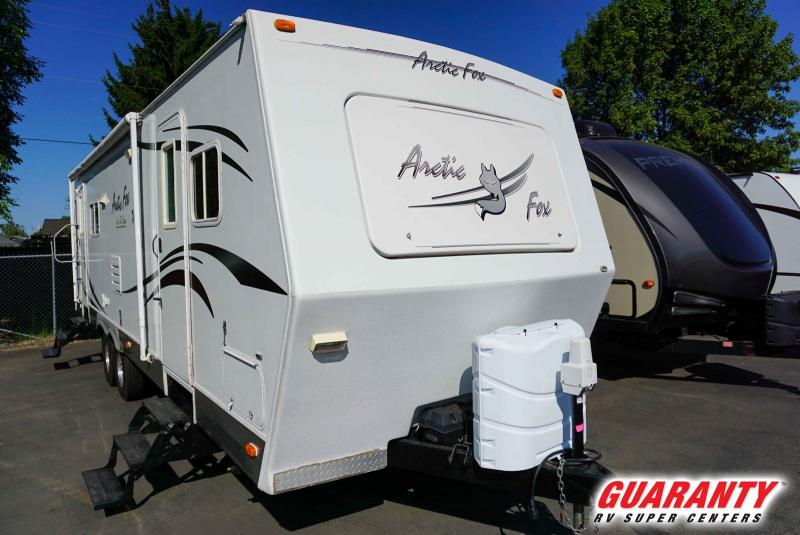 2007 Northwood Arctic Silver Fox Edition 30U - Guaranty RV Trailer and Van Center - T39683A