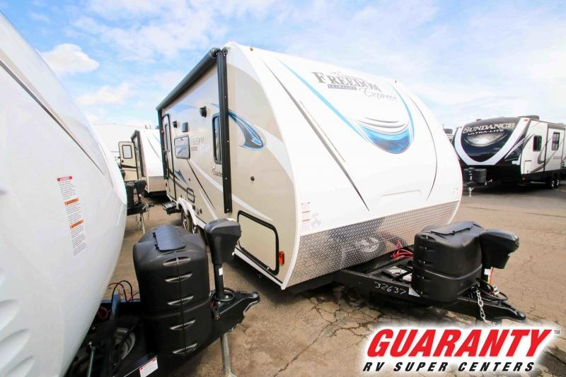2018 Coachmen Freedom Express Ultra-lite 192RBS - Guaranty RV Trailer and Van Center - T39022