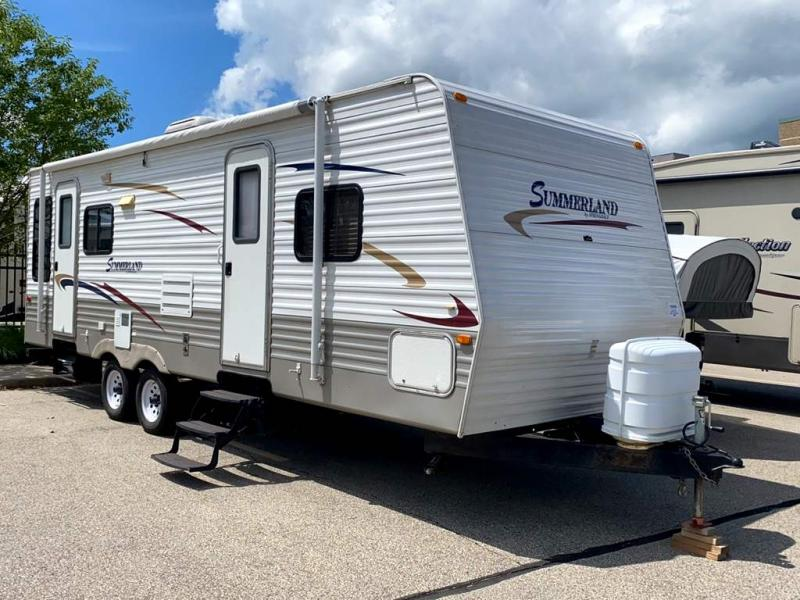 2010 Keystone Summerland 2570RL - Sturtevant, WI - 13985B  - Burlington RV Superstore