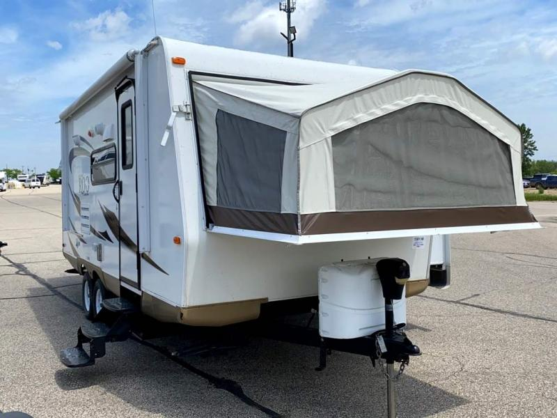2013 Forest River Rockwood Roo 21SS - Sturtevant, WI - 13813B  - Burlington RV Superstore