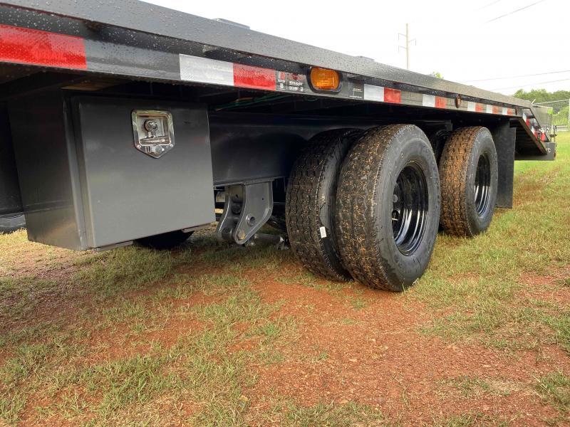 New 2022 Load Trail 8.5ft x 32ft 24k Tandem Axle Heavy-Duty  Gooseneck Flatbed   (Gray)