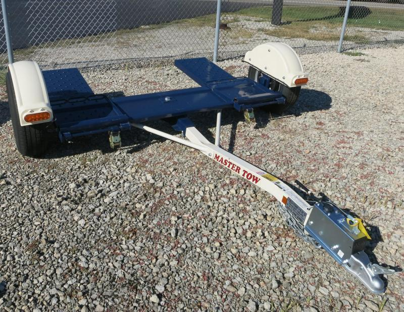 USED Master Tow - Tow Dolly with surge brakes 80THDSB - Radial Tires - Car Hauler - Tie Down Straps