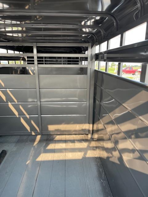 2022 S&S Manufacturing GN Livestock Trailer