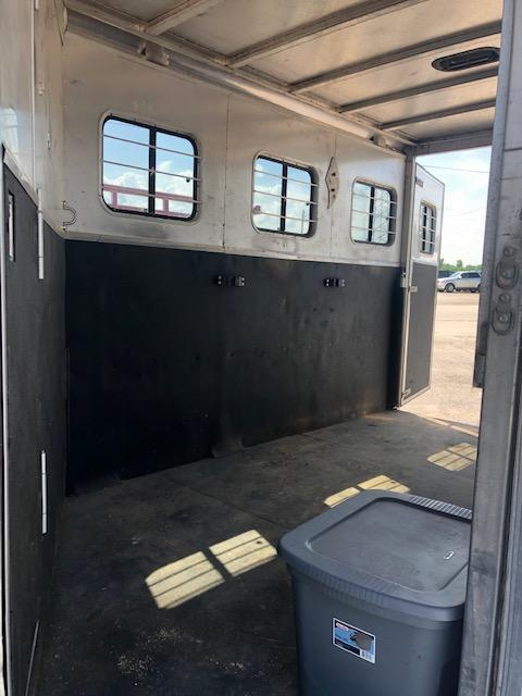 2001 Kiefer Built GenesisX340 Horse Trailer