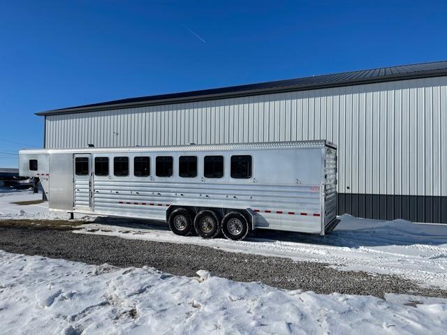 2015 Kiefer Manufacturing 732 -8H Horse Trailer