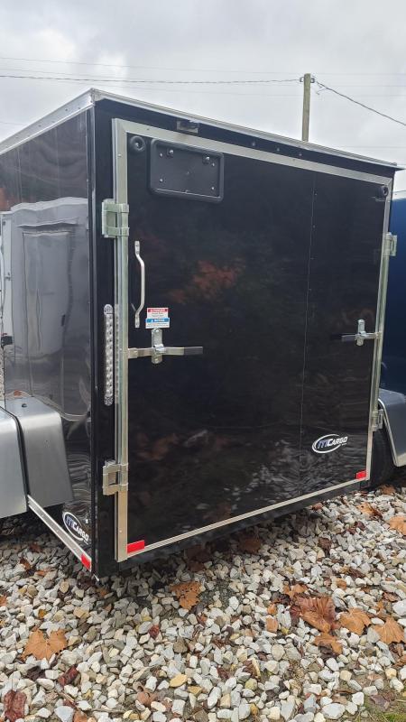 ITI Cargo Y7212SA-030 Enclosed Cargo Black
