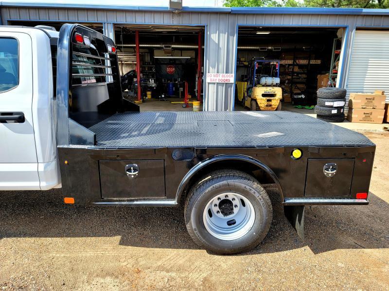 """2021 Dakota 8'6"""" x 84"""" DS Skirted Model Truck Bed"""