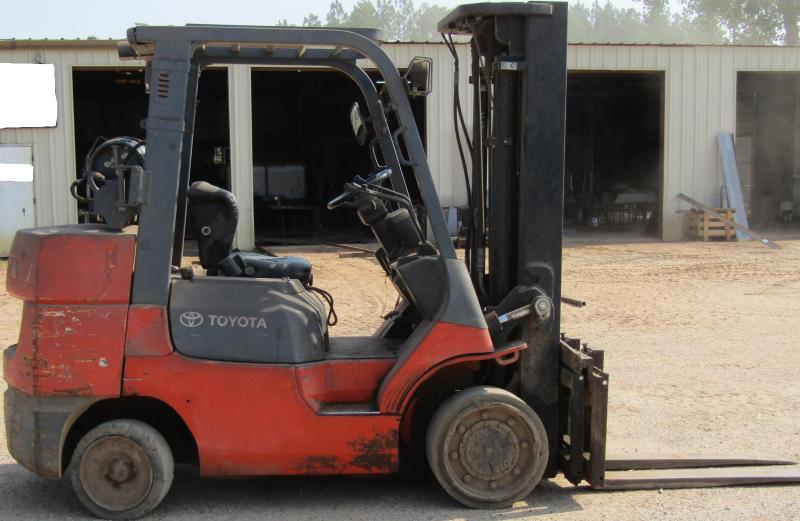 2014 Toyota Toyota Forklift 8000 Material Handling