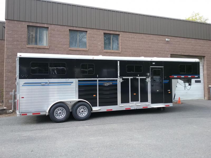 2021  Kingston Trailers Inc. GooseNeck 2&1 Horse Trailer