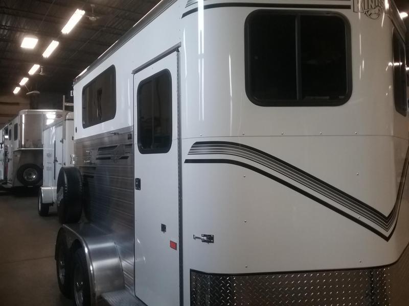 2020 Kingston Trailers Inc. Classic Elite Warmblood Horse Trailer