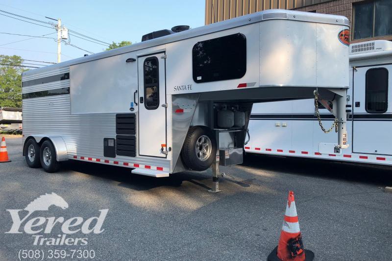 2019 Sundowner Trailers Santa FE 3h LQ Horse Trailer