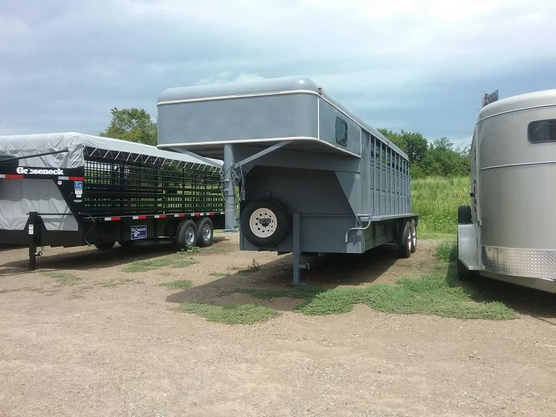 2000 Paris Custom Trailers Stock Combo Trailer