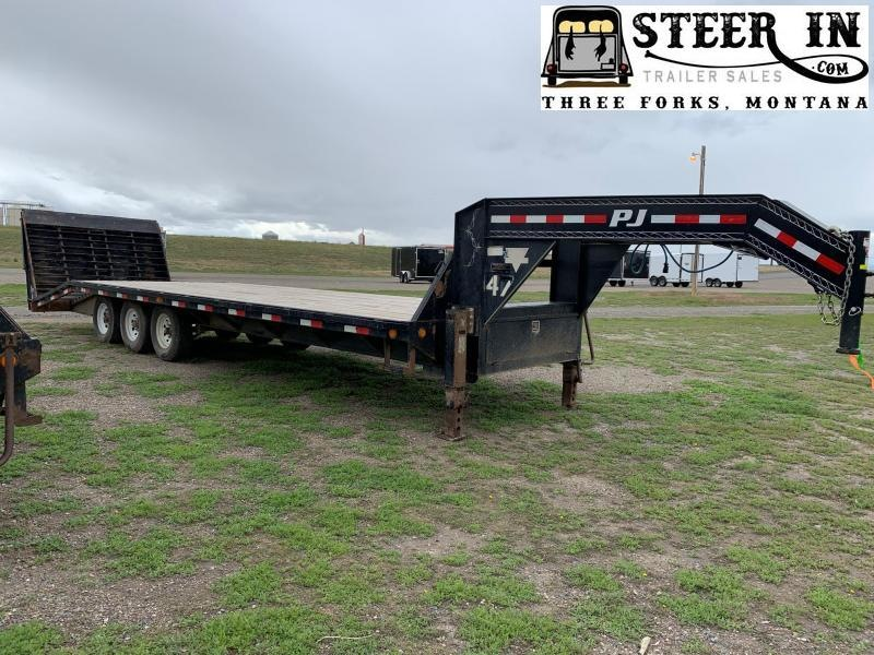 2016 PJ Trailers 28'  Flatbed Trailer