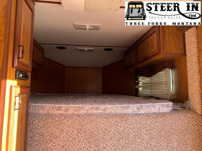 2008 Trails West SIERRA 3H WEEKENDER Horse Trailer