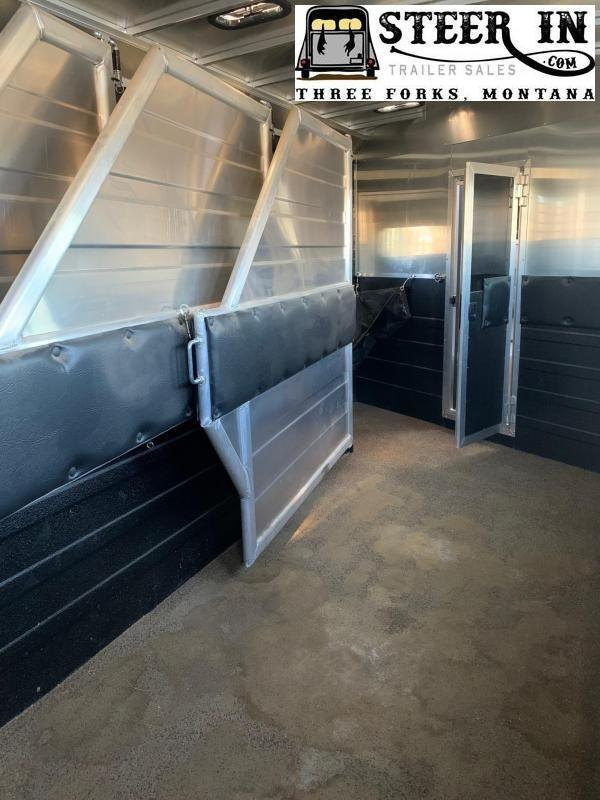 2020 Logan Coach 4H Limited Horse Trailer