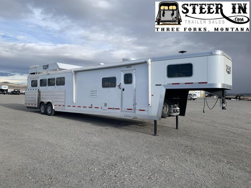 2020 Logan Coach Limited Horse Trailer